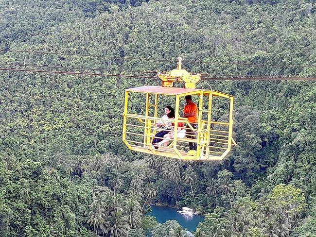 Teleférico sobre el río Loboc en Bohol