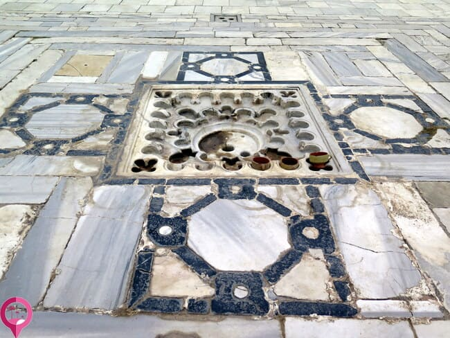 Elementos romanos aplicados a la arquitectura islámica posterior