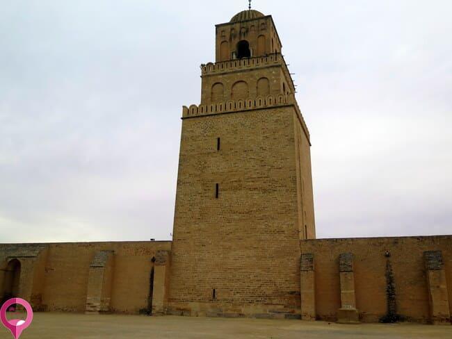 Minarete en la Gran Mezquita de Kairuán