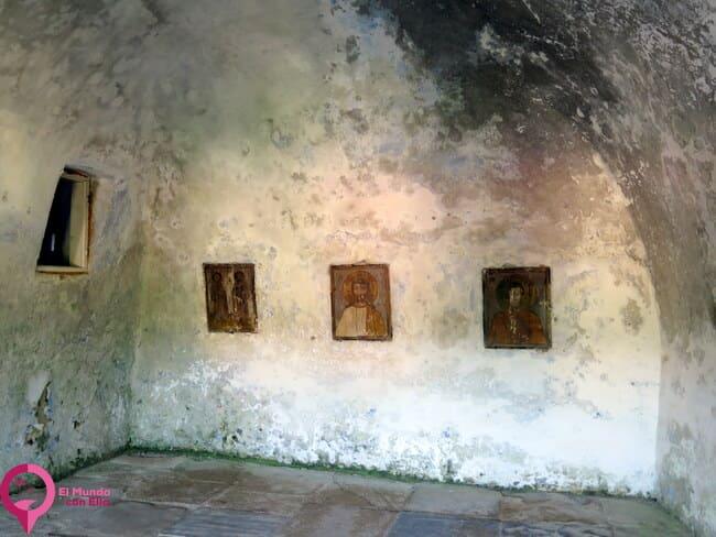 Visitar el Monasterio de Corbii de Piatra