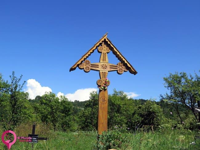 El poder protector de las cruces en Rumanía