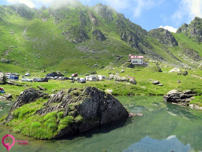 Acampar en el Lago Balea