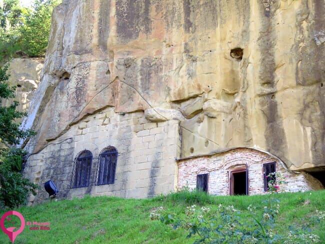Espectacular Monasterio Rupestre de Rumanía