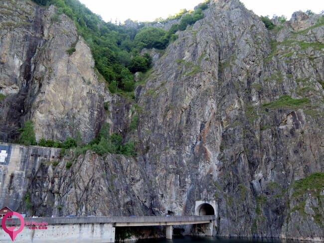 Túnel en los Montes Fagaras