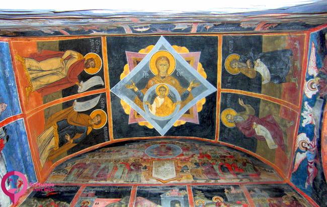 Visitar el Museo del Monasterio de Sinaia