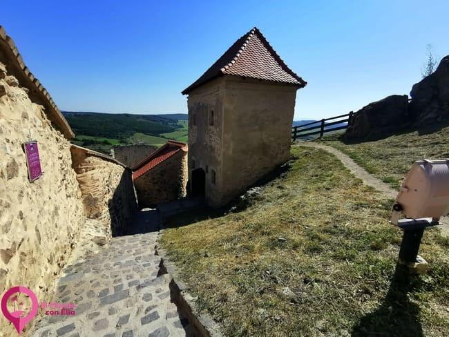 Ruinas del castillo de Rupea