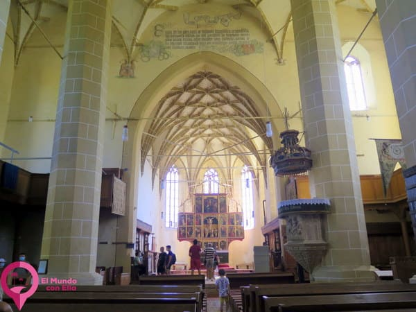 Magnífico interior de la Iglesia de Biertan