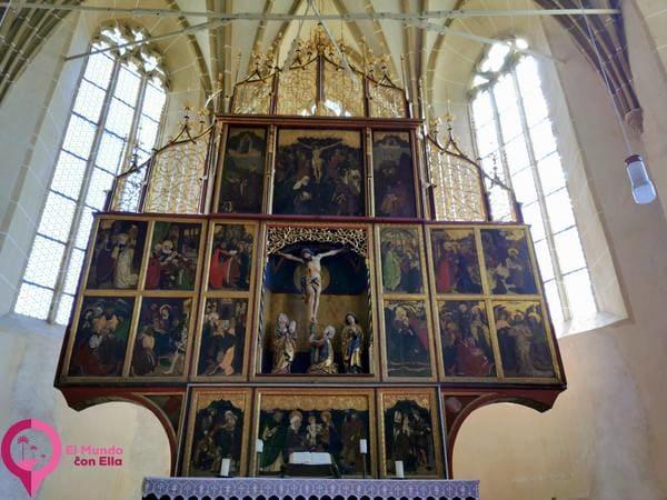 Altar políptico más grande de Rumanía