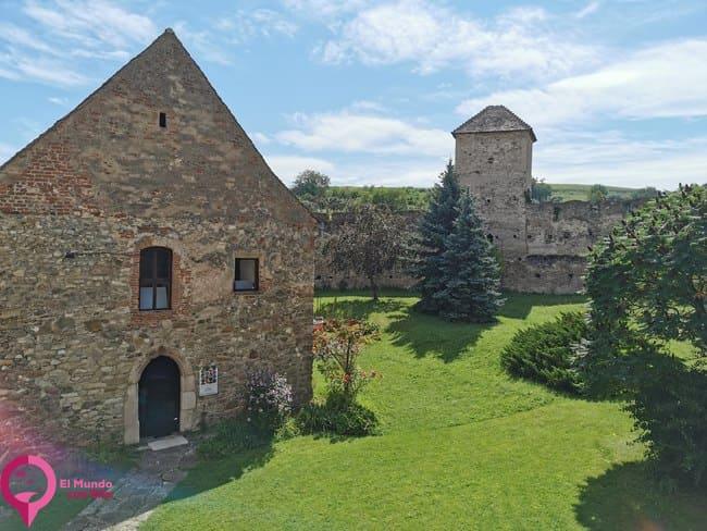 La Iglesia más pequeña de todas las Iglesias Fortificadas de Rumanía