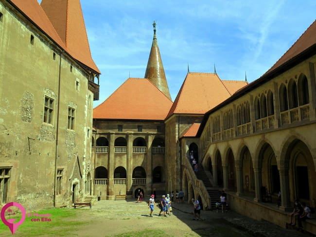 Guía para visitar el Castillo de Hunedoara