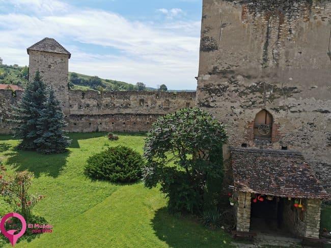 La Iglesia Fortificada más diferente de Rumanía