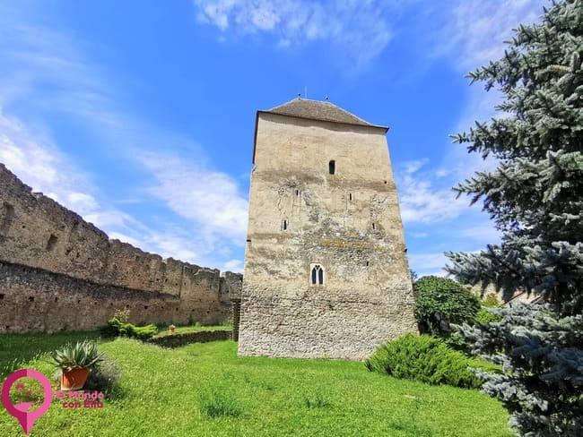 Las Torres de la Iglesia Fortificada de Calnic