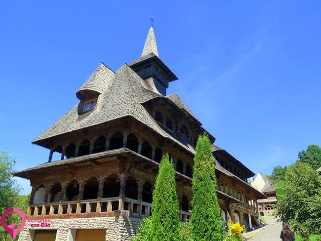 Visitar el Monasterio de Barsana
