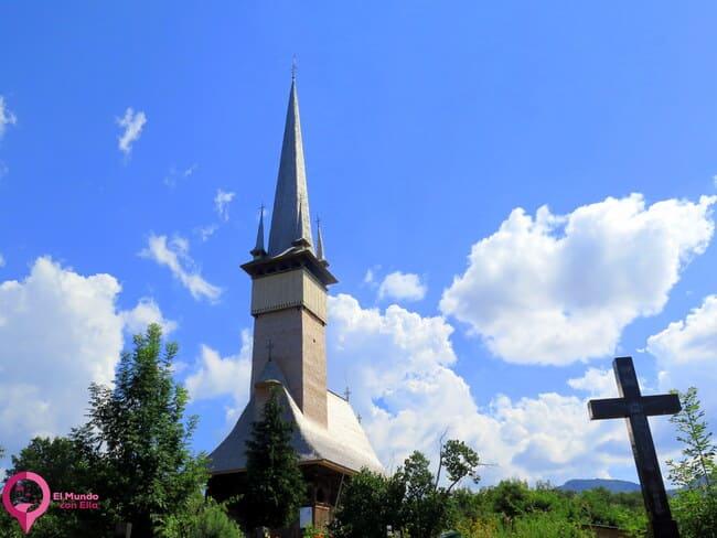 Ruta de las Iglesias de Madera en Maramures