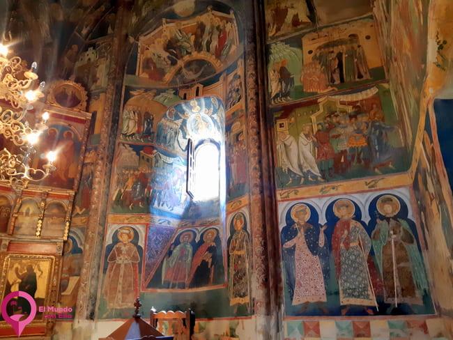 Decoración Interior de las Iglesias de Bucovina