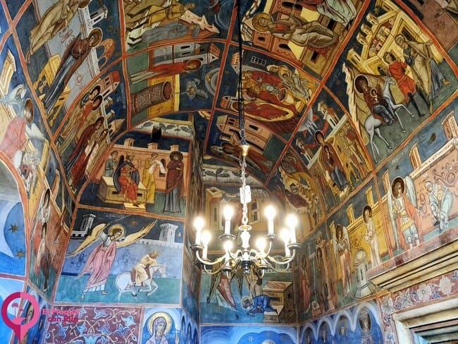 Decoración Interior en el Monasterio de Humor